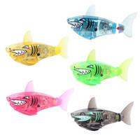 batteriebetriebener roboter großhandel-Robofish Activated Batteriebetriebener Roboter Fisch Spielzeug Childen Kids Shark Pet 5 Farben