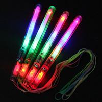 disco çubuğu toptan satış-Toptan 21 cm 4 Renk LED Işık Yanıp Sönen Sopa Kızdırma Değnek LED Yanıp Sönen Light up değnek Disko Parti Düğün için Noel Hediyesi