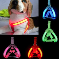 ingrosso cablaggio per i cani-LED Pet Harness Collari per cani Cat Guinzagli Collare Light lampeggiante Glow Safety Dogs Puppy Cats Imbracature Forniture Guinzaglio per animali Vendita calda