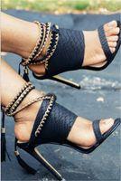 botas altas hasta el muslo cadenas al por mayor-Cuero brillante Mujeres cortas Botas Muslo Botas altas Sandalias Gladiador Cadenas Tacones Stiletto Vestido Señora Bombas Medusa Zapatos femeninos