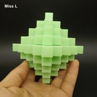 Barato Enigmas Grandes De Plástico-Plastic Puzzle Toy Kid 24 Sticks Large Pineapple Ball Kong Ming Lock Fluorescência Green Intelligence Mind Game Anti Stress Prenda de Natal