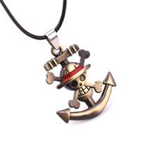 anime colgante de una pieza al por mayor-Collar de una pieza Ancient Bronze Monkey D Luffy Pirate Skull Anchor Colgantes Anime Joyería de moda para Mujeres Hombres Envío de la gota