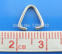 500Pcs Silver Tone Triangle Jump Rings Bail Beads Jewelry Findings Charms Component Wholesales 9x9mm en gros