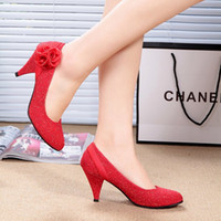 Wholesale Womens Gold Shoes Low Heel - 2017 Red pumps shoes woman med heel round toes female flowers red party pumps shoes chinese wedding shoes womens