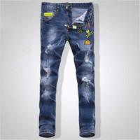 calça jeans masculina jeans venda por atacado-Homens Bordados Crânio Curto Calça Jeans Homem Magro Magro Calças Jeans Moda Casual longo jeans