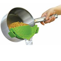 ECO Friendly spaghetti pan - Clip on Silicone Strainer Colander Drainer Pan Strainer BONUS FREE Garlic Peeler Pasta Spaghetti Ground Beef Grease Vegetables Stra