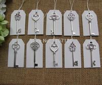 ingrosso grande chiave antica-Wholesale- 50pcs argento antico Scheletro chiavi + 50pcs bianco Tag Scheletro di nozze chiavi fascino 53-68mm Grande formato