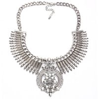 Hot Selling Wholesale Chunky Choker Collier Femmes Bijoux Bohème Arrow Tassel Statement Collier Avec Perles De Cristal