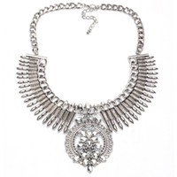 Hot Selling Wholesale Chunky Choker Necklace Mulheres Bohemian Jewelry Arrow Tassel Statement Necklace com contas de cristal