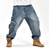 Compra Pantaloni Mens Baggy-pantaloni larghi All'ingrosso-INVERNO Mens larghi Cargo Jeans Multi-pocket denim Hip Hop Skateboard Jean pantaloni retrò plus size Denim Tuta 71803