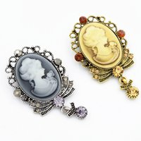 Wholesale Scarf Pendent - Sparkling Crystal Pendent Vintage Fashion Victorian Queen Head Cameo Brooch Vogue Women Scarf Pin Broaches Hot Selling