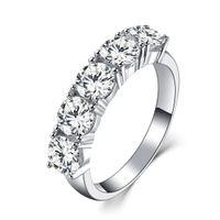 anel de pedra branca prata 925 venda por atacado-Cinco Pedras 2.5Ct Redonda Rodada Anel de Diamante Sintético Feminino Anel de Casamento 925 Sterling Silver Ring Branco Banhado A Ouro Jóias