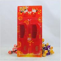 peigne en forme de coeur achat en gros de-Fournitures de mariage rouge peigne en gros deux pack forme de coeur heureux