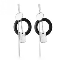 1 paire de femmes de mode femmes bijoux de mode Punk Style Dangle boucles d'oreilles soldat Tag Earrings Chain Ring Silver + Black Ear Stud Girlfriend Gift