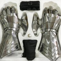 Wholesale Carnival Costume Pair - 1 Pair New Arrival Metal Gothic Armour Iron Hand Can Wear Shiny & Quenching Style Man Cosplay Gloves GAIH001