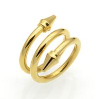 pfeil liebe ring großhandel-Neu eingetroffen top qualität 3 reihen geschichtet ringe titanium stahl konische pfeile frauen ring mode marke liebe schmuck kegel nagel ringe
