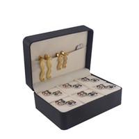 kelepçe kutuları toptan satış-Marka Yeni Tasarımcı Kol Düğmeleri Kutusu Saklama Kutusu Manşet Bağlantılar Hediye Kutusu Takı Yüksek Kalite Plastik Özel Kağıt Kutusu