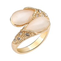 XS Water Droplets Shape White Opals Stones Set Auger Anillo de alto grado para mujeres Gold Silver Rings Gift Wholesale