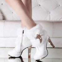Barato Botas De Calcanhar Branco-Boots PU Women's White Middle Heel Tassels Rabbit Fur Sapatos de casamento Bridal High Middle Heel Shoes Ankle Boot