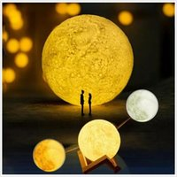 Barato Lua Levou Suprimentos-3D Lunar Light Led Lua Night Light Lua Night Touch Lamp Romatic Lights Bedroom Lâmpada de mesa Presentes Creative Wedding Party Supplies 13cm B3387