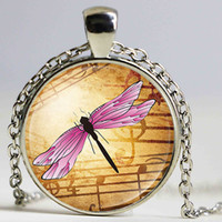 Pink Dragonfly Notas musicais Antique Bronze Plated Link Chain Round Glass Cabochon Pendant Necklace para mulheres Insect Jewelry
