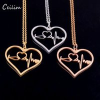 New Fashion Medical Jewelry Titane Acier I Love You Collier pendentif en coeur Collier Stéthoscope pour infirmière docteur Gift Wholesale 2017