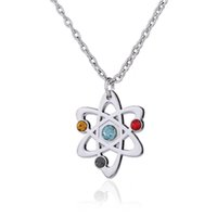 Fashion Simple Design Sliver Plated Iced Out Flower Nó Forma azul amarelo vermelho Crystal Stone Embedded Pendant Necklace