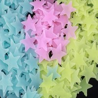 Wholesale Chart Stars - Wall Decals Color Stars Shaped Glow In The Dark Sticker Fluorescent Patch Paster Stereo Decorative Walls Stickers 3cm Hot Sale 2 5gm D