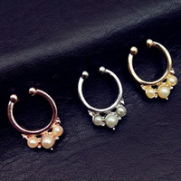 Wholesale Nose Ring Designs Gold - 2017 New design imitation pearl fake nose ring clip on body jewelry fake septum piercing hoop nose rings for women