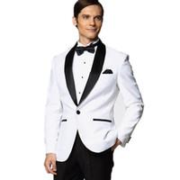 novio de esmoquin blanco boda al por mayor-Al por mayor-2017 Nueva chaqueta blanca con negro satinado solapa novio esmoquin padrinos de boda mejor traje de hombre hombres trajes de boda (chaqueta + pantalones + BowTie)