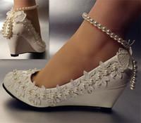 beyaz prenses düğün ayakkabıları toptan satış-Tatlı Inci Ayak Bileği Zincir Inci Çiçek Beyaz Prenses Düğün ayakkabı Bridel düşük topuk kama boyutu 5-10