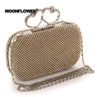Wholesale Bead Clutches - Shinny Bling Diamonds Gold Silver Bridal Hand Bags 2017 Hot Style Fashion Love Heart Women Clutch Bags For Party Evenings Formal CPA808