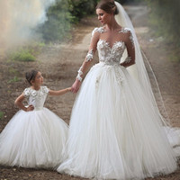 Wholesale Dresses For Mother Kids - Lovely Ball Gown Flower Girls Dresses 2017 Mother and Daughter Wedding Dress Princess Party Dress for Little Girl Kids Lace Dress