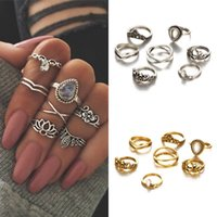 Punk Style Rings Set Carved Hollow Flower Conjuntos de anilhas retro Set Hot Sale 7pcs / set Prata Gold 2 Styles Delicate Rings Set D12S