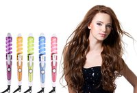 Compra Perfetto Stile Di Capelli-Magic Pro Perfect Hair Curlers Curl elettrico Curling Spirale Curling Iron Wand Salone Styling Tools Styler