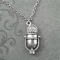 vintage-mikrofone großhandel-12pcs / lot Weinlese altmodisches Radio-Mikrofon spornte Halskette in Silber an