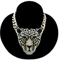 leopardo colares venda por atacado-Mulheres camisola acessórios camisola cadeia Europa e nos Estados Unidos Hot Fashion Leopard Head Colar de Jóias longo colar de seção