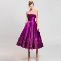короткие платья без бретелек оптовых-Фиолетовые 3D аппликации платья возвращения на родину для юниоров без бретелек с блестками короткие выпускные платья чай длина атласное вечернее платье для коктейля