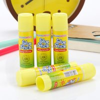 Wholesale Wholesale Toxic Glue - non-toxic Strong adhesion solid glue stick 8.5x1.9cm High viscosity High viscosity DIY hand made work glue