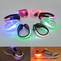 bebekler için gecelik hafif oyuncaklar toptan satış-LED Ayakkabı Klip Işık Bisiklet Bisiklet Dikkatli Işık Gece Çalışan Güvenlik Işık Parti Dekorasyon Bebek Oyuncakları