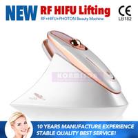 mini máquinas de estiramiento facial rf al por mayor-Máquina portátil de Hifu con terapia de luz RF LED para estiramiento facial Hifu Uso doméstico Piel de ajuste Mini Hifu