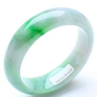 Wholesale 2017 China traditional Natural Myanmar Jadeite Bracelet Ice waxy kind Jade Bangle Green for women