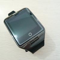 reloj deportivo gsm al por mayor-Smart Watch Phone Q18 Arc Clock Soporte Tarjeta SIM TF GSM Bluetooth Smartwatch Sport con cámara para iPhone Teléfono Android PK M26 DZ09 GT08