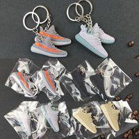 sapatilhas chaveiro venda por atacado-2017 chaveiros Silicone 350 Boost KeyChain Sneaker Chaveiro Crianças Chave Anéis Titular Chave Moda Mulher Menina Presentes Frete Grátis WX-K01