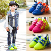 Wholesale children shoes with light new spring sport running girls fashion sneakers kids led net breathable boys shoes led