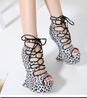 Sandali con zeppa per le donne Tacchi alti Platform New Stylish 2017 Donne pumps Pee Toe Tacchi alti Sandali sexy Leopard shoes Lace Up Sandals