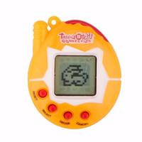 digitale haustiere großhandel-Farbe zufällige virtuelle Cyber-Digital-Haustiere elektronische Tamagochi-Haustier-Retro- Spiel-lustige Spielwaren Handspiel-Maschine für Geschenk