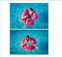 ingrosso gonfiabili adulti-Eco-Friendly Piscine 120 centimetri Gigantic Donut Piscina galleggiante gonfiabile di anello di nuoto per adulti Pool Galleggianti 2 colori liberamente da