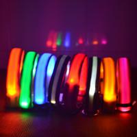 led dog collar оптовых-8Colors 4Sizes Ночная безопасность Светодиодный свет Мигающий светлый нейлон Pet Dog Collar Маленький средний собака Pet Поводка воротник для ворот Мигающий ворот безопасности
