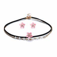 7416cd7edffa Moda Flor rosa Gargantilla de cristal Collar con cuello corto negro para  las mujeres Regalo Partido Color de oro Sistemas de la joyería